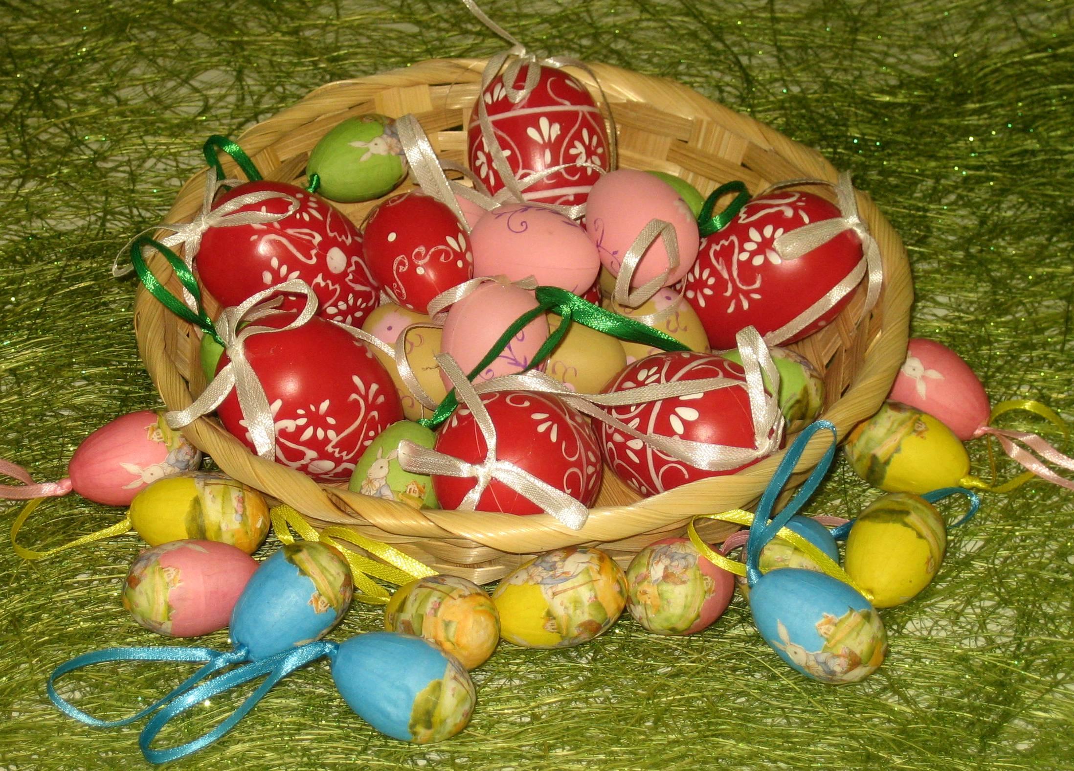 P+P - selyemvirágok, húsvéti dekorációk, húsvéti fonott kosarak, húsvéti vidám színes termékek, húsvéti tojás díszek