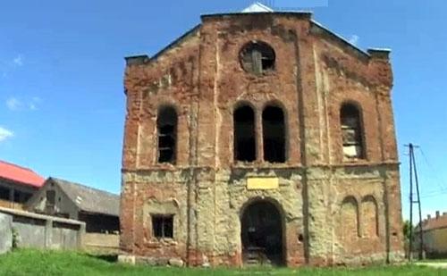 Jánosik Kft. - Kulturális központ a Romos templomból